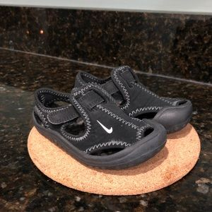 Nike Sunday Protector Sandals